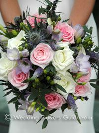 Seasonal wedding flowers are a great way to be cost conscious!