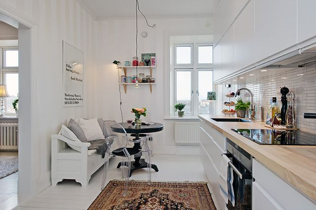 Gothenburg apartment with a touch of modern-romantic wallpaper