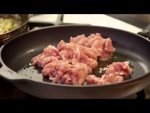 Spaghetti met gebakken kip, prei en look | De Keuken van Sofie | VTM Koken