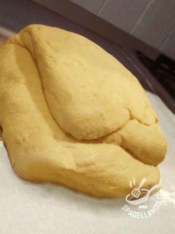 La Pasta Maddalena è una base ideale per le torte farcite ed è famosa in tutto il mondo perché con essa si preparano le madeleines.