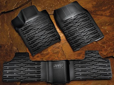 Jeep Floor Mats for the Grand Cherokee. Jeep Logo.