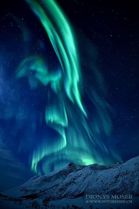 Amazing moment captured of an Angel in the Northern Lights. #Angel #Northernlights