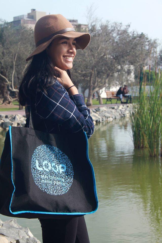 Producto 100% peruano hecho de botellas plásticas recicladas #rPET #handmade #tote #bag #handmade #productoperuano #bolsoreutilizable #ecobag