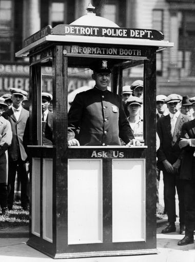 Detroit Police information booth at Campus Martius,