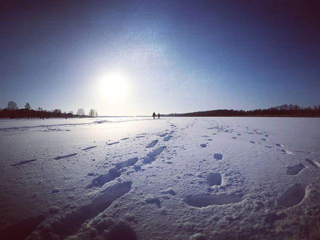 Chasing the sun.  #hypebeast#wonderfulworld #visualambassadors#ig_color#agameoftones #eclectic_shotz #createcommune #artofvisuals#way2ill #wonderful_places #beautifuldestinations #watchthisinstagood #heatercentral #folksouls#nakedplanet #hubs_united#snow #firstsnow #järvenpää#finland #ourfinland #fitness #finnishboy #lovelyfinland
