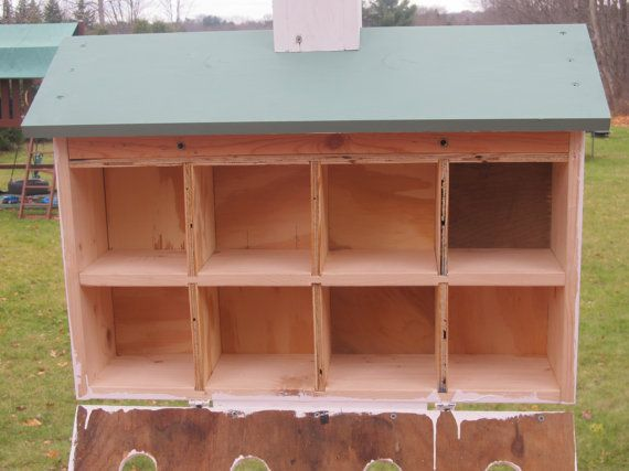 Hello, and thank you for visiting our shop. You have found our very large sixteen family Purple Martin House with a green roof. This is a heavy duty ( 38 - 40 lb.) Purple Martin House constructed of solid pine and exterior grade plywood. The hardware is all stainless steel, zinc