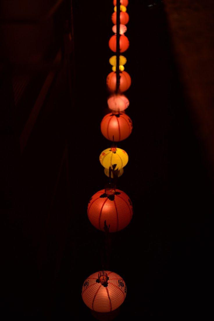 水面に映るランタン行列 Reflection from the surface of puddle 〜the line of lanterns〜 | Nagasaki365 - 長崎の今を写真でお届けします。
