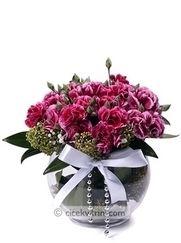 çiçek karanfil vazosu http://www.cicekvitrini.com/
