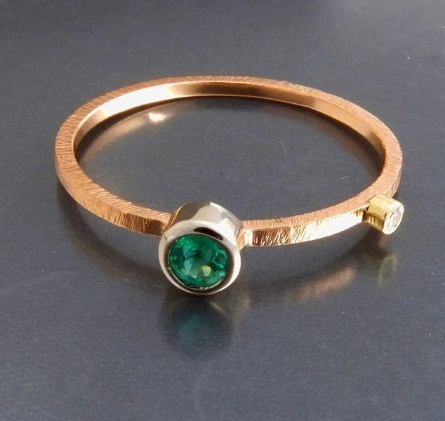 BIZOE Złoty pierścionek ze szmaragdem i brylantem w BIZOE na DaWanda.com emerald/ diamond/ rose gold 14k/ hand made