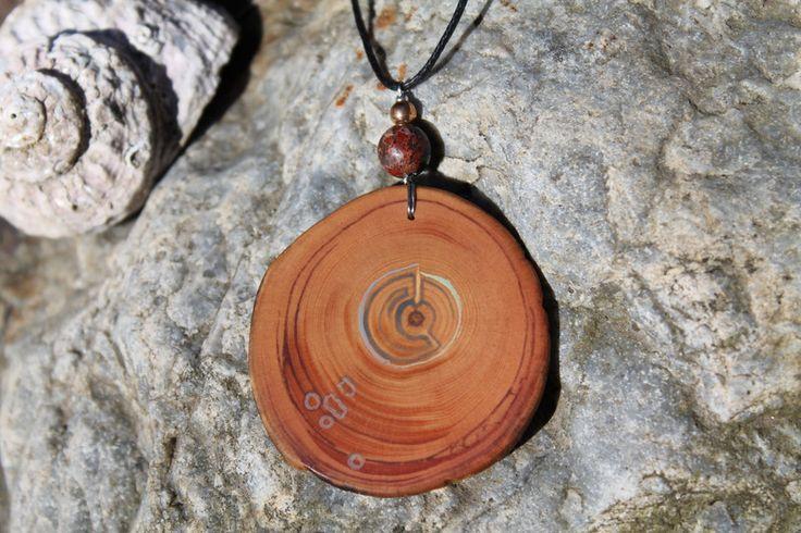 Edelsteinschmuck - bemaltes Amulett aus Zirbe mit Jaspisperle - ein Designerstück von TirolZirbe bei DaWanda