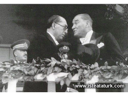 1937yi 1938e bağlayan son yılbaşı gecesini Dışişleri Bakanı Tevfik Rüştü Aras ile baş başa geçirmişti. O gece dolabındaki bazı elbiseleri bakana hediye etmişti.