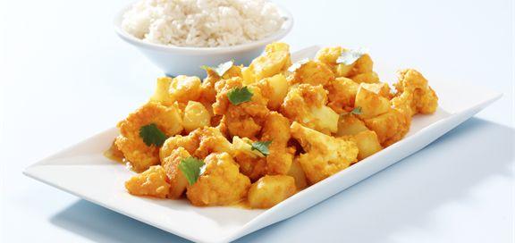 Bilde av indisk potet- og blomkålkarri med ris.