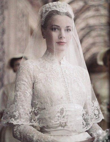 Grace Kelly's Wedding dress and veil