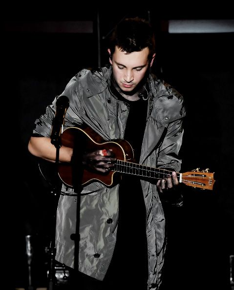 What kind of ukulele board would this be without tyler joseph?