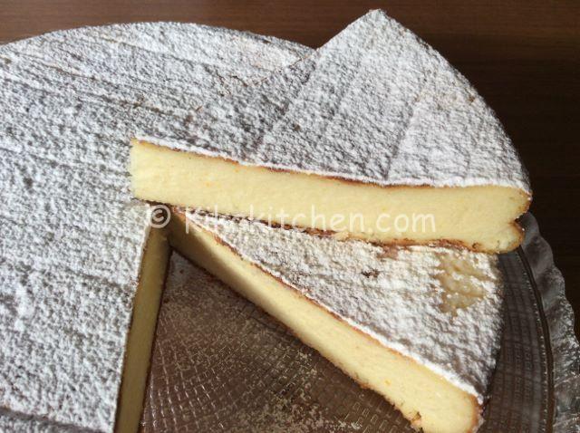 Il migliaccio, conosciuto anche come torta di semolino è un dolce tipico di carnevale. Ottimo in tutte le sue varianti. Questa è con ricotta