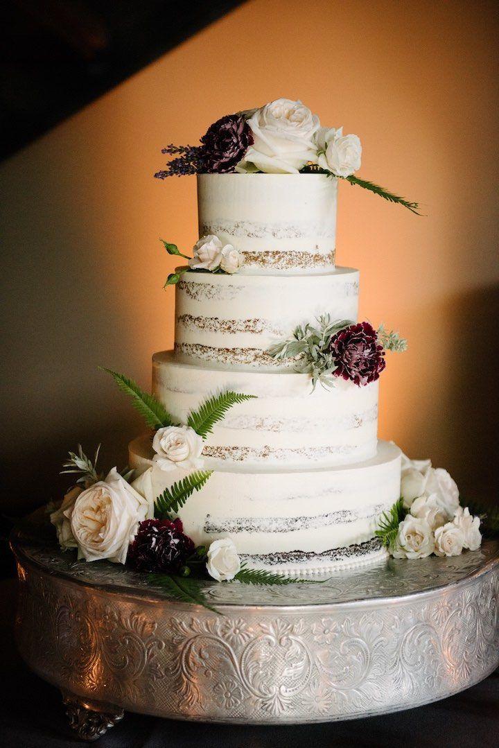 Simple and elegant cake florals.