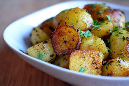Pressure Cooker Crispy Potatoes by Michelle Tam http://nomnompaleo.com