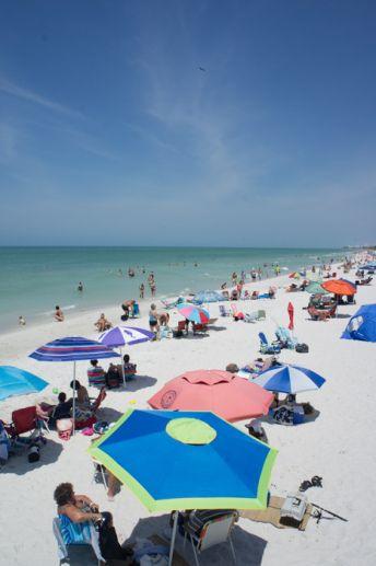 Naples, Floride - la plage et les parasols www.maathiildee.com
