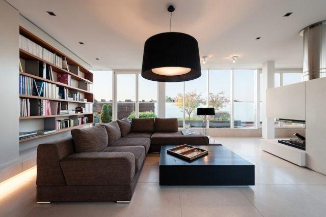Design wohnzimmer  Design-Wohnzimmer-modern-Hängelampe-Indoor-kamin-weiße-Wände ...