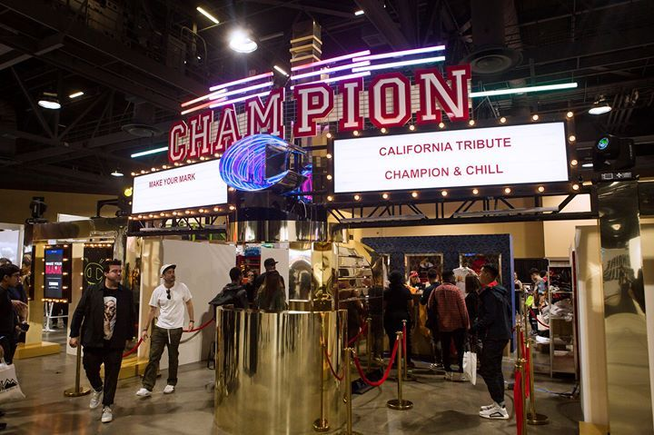 Atmosphere Complexcon Turned Long Beach Into The Hottest Spot For Fashion Heres How Https Ift Tt 2ne3kwi Pop Up Shop Hot Spot Long Beach