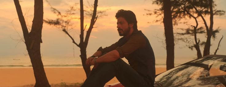 Daayre Official Video Song Review is available. Latest Hindi Song Daayre from Dilwale Movie featuring Shah Rukh Khan and Kajol released on December 21, 2015 by Sony Music India. Watch Daayre Official Video Song.