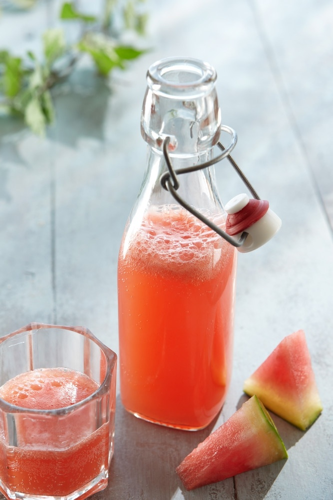 Raikas melonijuoma | Watermelon drink. 250g mushed watermelon and 0,5 litres of lemonade mixed together. Serve cold.