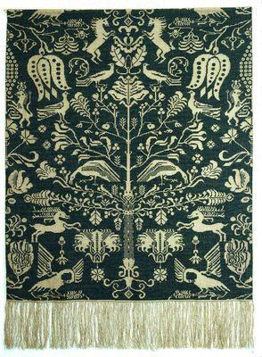 90-3013  Broderipakning - Vægtæppe - Beidewand blå    Permin design     Str. 101 x 140 cm     Broderes med korssting på natur hør 8 tr. pr. cm. / 18'' efter sort/hvidt tællemønster.      Pakken indeholder, billede, stof, mønster, instruktion, garn og en nål.