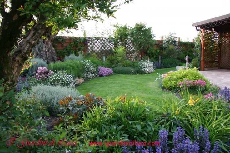 Oltre 1000 idee su piccoli giardini su pinterest - Idee per giardini di casa ...