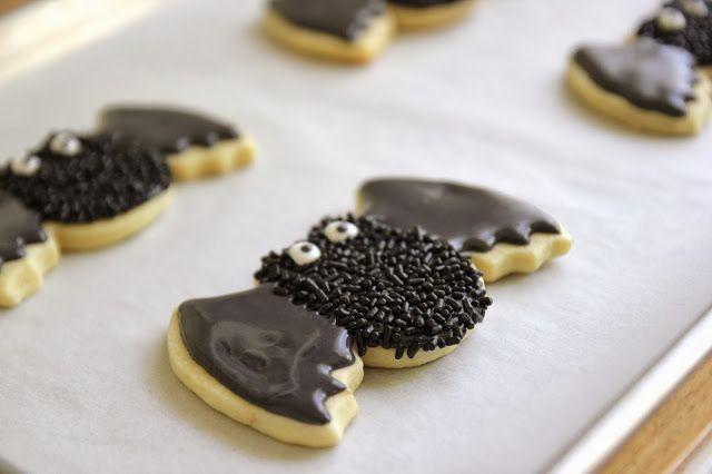 Jenny Steffens Hobick: Spooky Bat Sugar Cookies