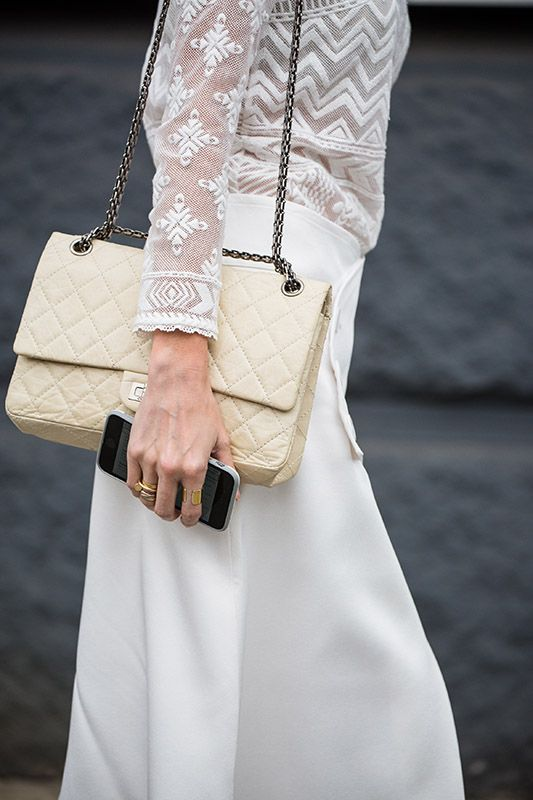 SS16 streetstyle detail beige clutch white long skirt lace shirt iphone