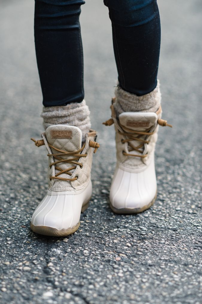 #NSALE 2016 | HOW TO WEAR DUCK BOOTS | Sequins & Things