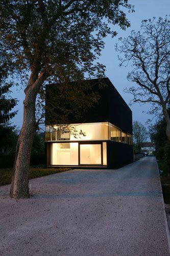 It will Great add Tree Uplights and Leading Wall / Uplights    House Heran   Caan Architecten