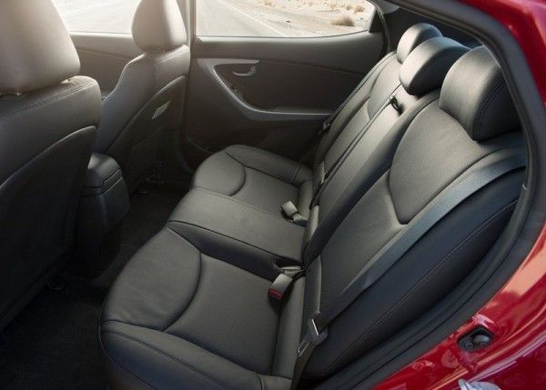 2014 Hyundai Elantra Sedan Luxury Interior 600x429 2014 Hyundai Elantra Sedan Reviews and Design
