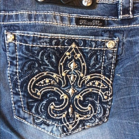 Black Friday sale! New Miss Me jeans! New Miss Me jeans! Mid-rise skinny - 31 inch inseam. Next day shipping. Smoke free home. No trades or holds. Price is firm. Miss Me Jeans Skinny