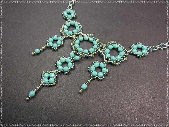 Zierliches Collier 44cm Glasschliffperlen Rocailles von PerlenundCo