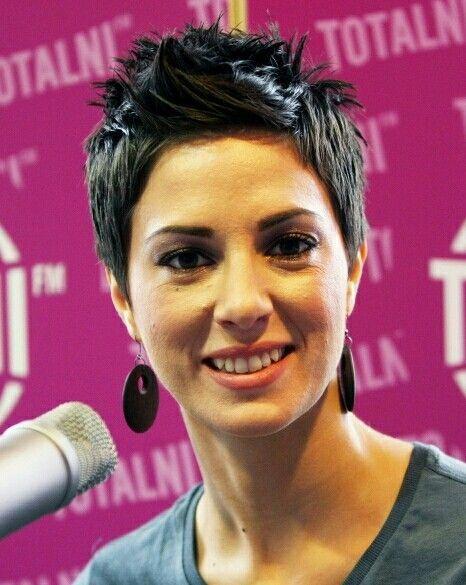 Lorena Nosić short hair