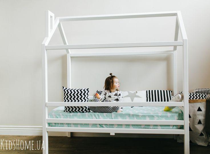 Кроватка-домик. Для нежной принцессы или маленького принца. Сказочную мебель можно заказать https://www.instagram.com/kidshome.ua/
