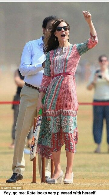 Duchess Kate playing cricket in India