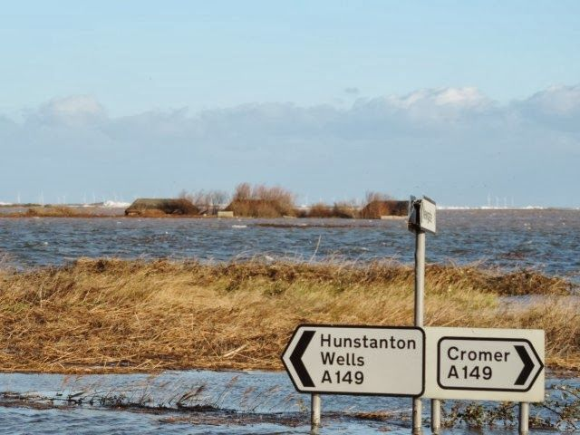 NWT+Cley+Marshes+after+the+tidal+surge,+6+December+2013,+credit+Norfolk+Wildlife+Trust+(3)+(Small).JPG (640×480)