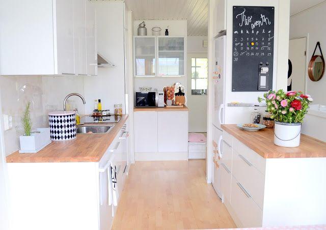 Cuisine blanche et bois cuisine pinterest petites for Deco cuisine blanche et bois