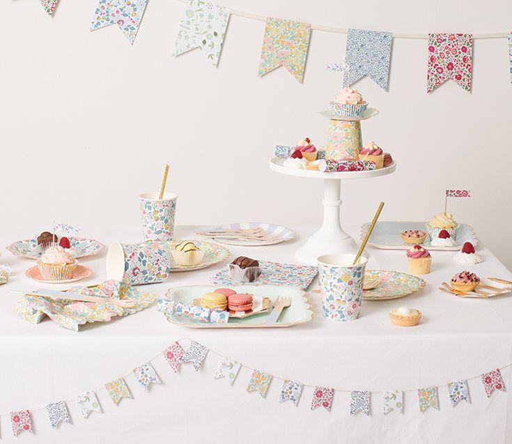 Liberty Betsy Themed Cake Table