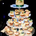 Wedding cake & cupcakes. свадебный торт! More photos on www.repina-event.ru