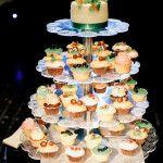 Wedding cake & cupcakes. свадебный торт! More photos on www.repina-event.ru
