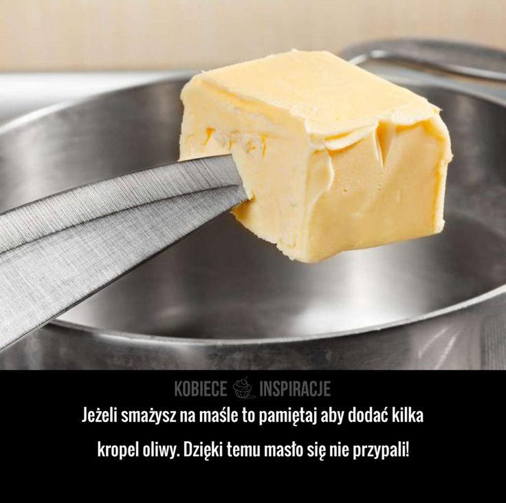 Jeżeli smażysz na maśle to pamiętaj aby dodać kilka kropel oliwy. Dzięki temu masło się nie przypali!