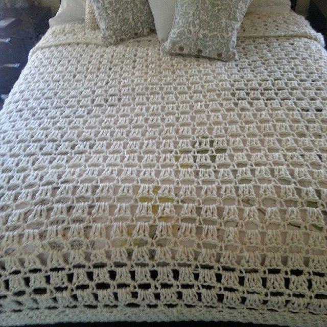 Queen sized bed crochet blanket  #crochet#crochetaustralia#bedspread #blanket#wool#cream#bedroom#homedecor#homeinteriors#decor