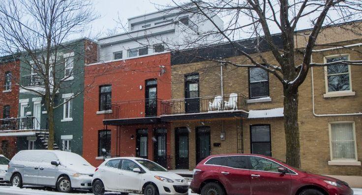 Cottage avec revenus (1700$/mois) ou intergénérationnel sur 5 niveaux(s-s,rdc,2e étage + logement sur 2 niveaux 3e et 4e). 3 salles de bains complètes + une salle d'eau, possibilité d'une autre salle de bain au s-s et d'une chambre. Construction de qualité, 5 terrasses, projet clé en main, rue paisible, familiale près des services. No MLS: 22738889