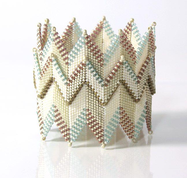 https://flic.kr/p/o9TCQF | Creamy Zig-Zag Bead Bracelet | Inspired by Kate McKinnon's Contemporary Geometric Beadwork.