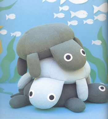 Supposedly from Aranzi Aronzo's Fun Dolls...? Must investigate, for these turtles are too cute!