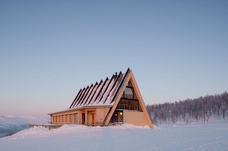 Mountain Restaurant Björk in Hemavan / Murman Architects