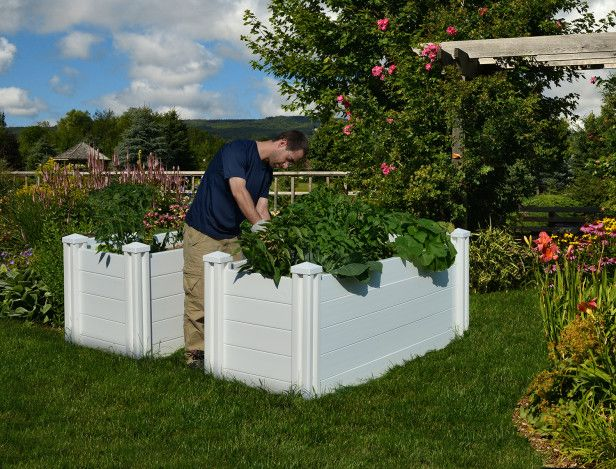 This holiday season, treat a cutting-edge garden fan with this smart African Keyhole Garden Bed from Vita which limits water use and incorporates composting into your container.